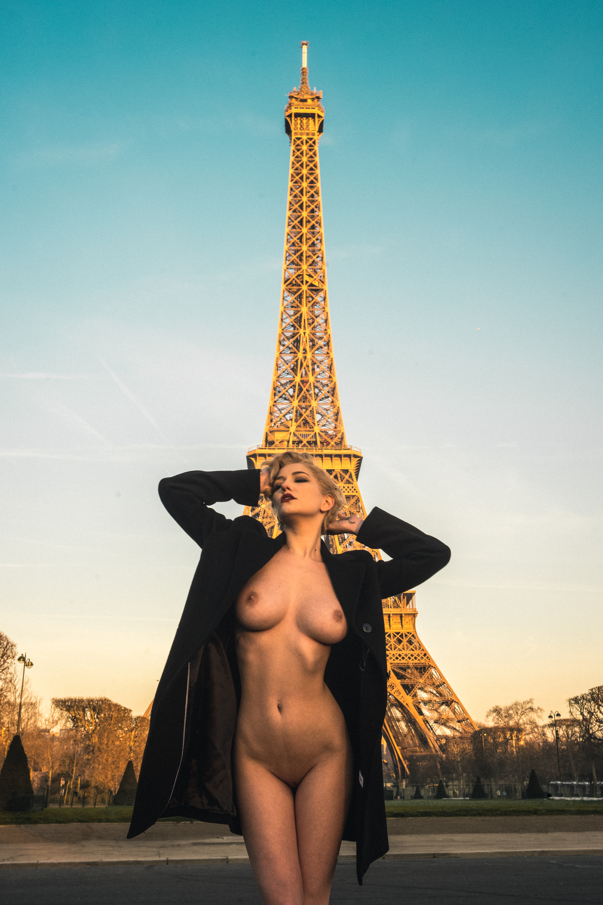 Read more about the article SKYE + Eiffel Tower